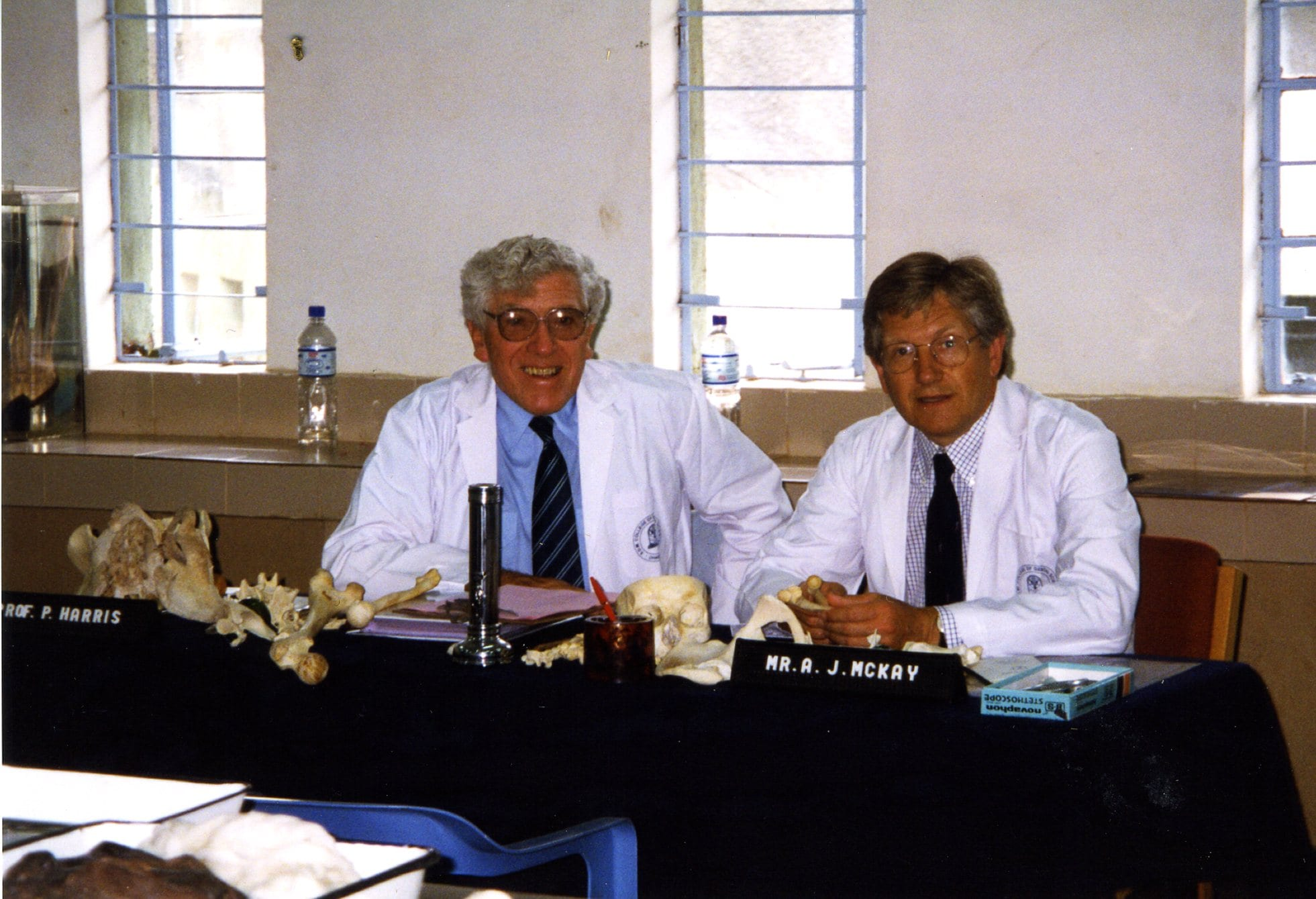 College examiners Professor Philip Harris and Mr Alan McKay, Dharwad, April 1999