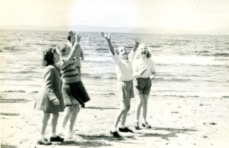 25 June 1952. Children at Ayr