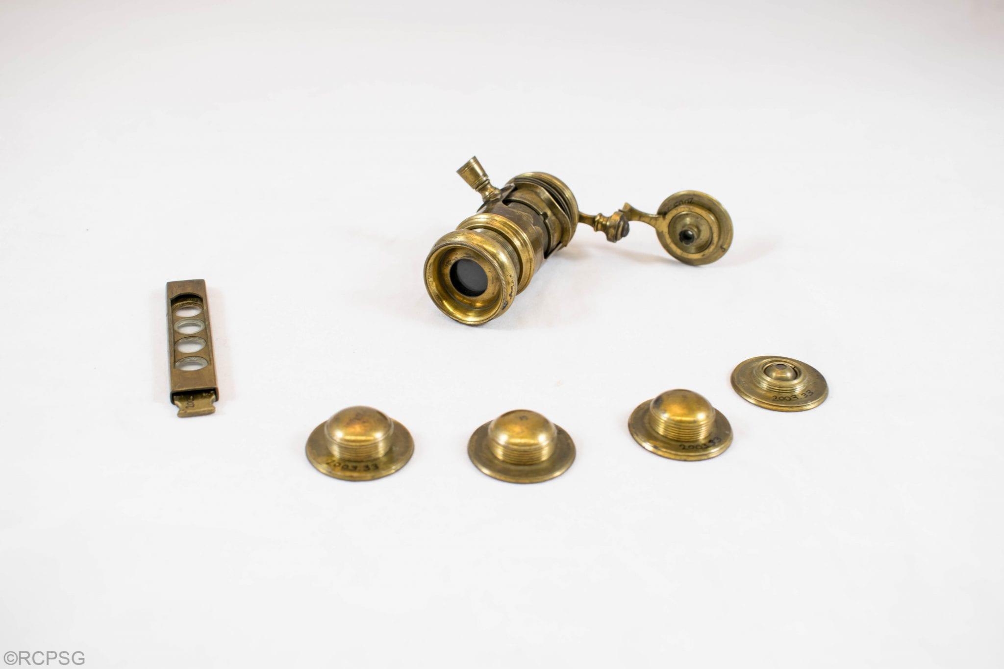 Wilson-type microscope