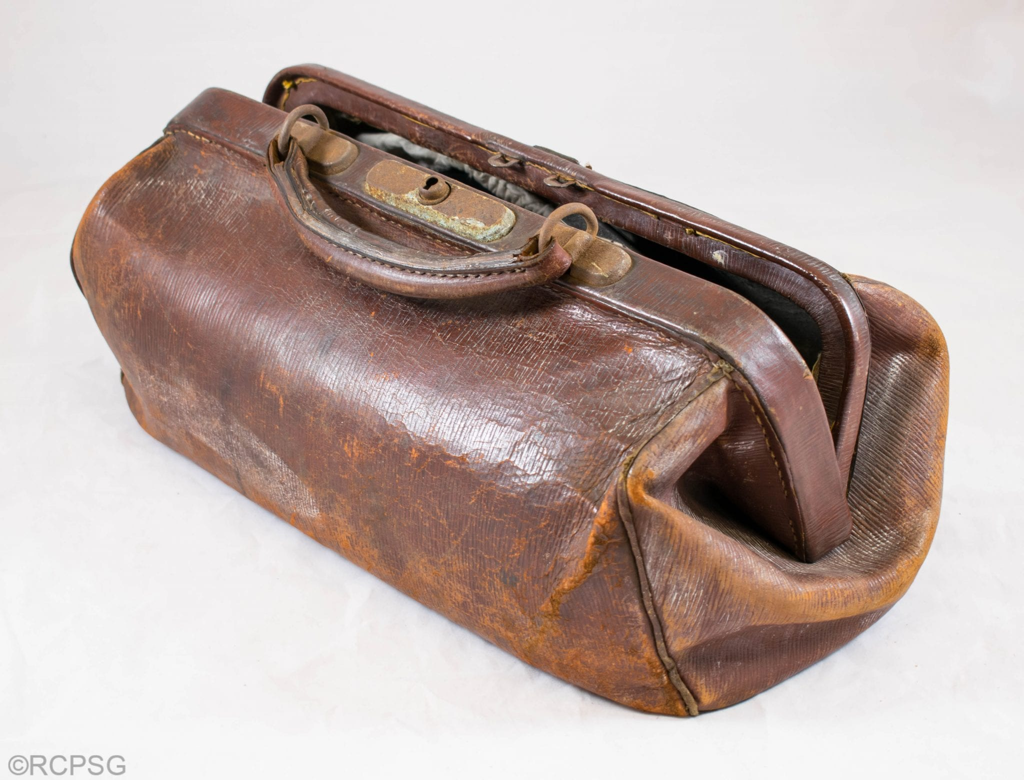 Medical bag of Dr Maud Perry Menzies