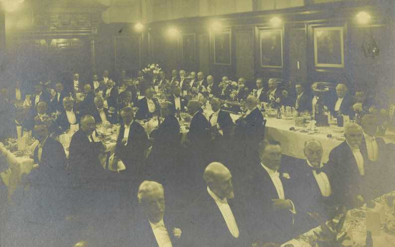 Dinner in Faculty Hall c. 1914 (RCPSG 1/12/4/9)