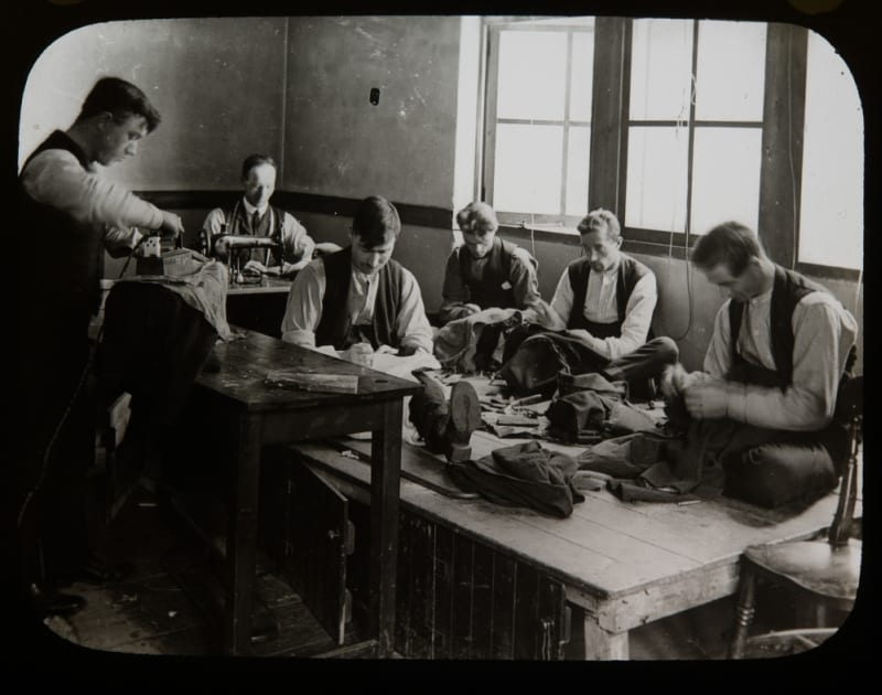 Shoemaking in one of the workshops in Princess Louise Hospital, Erskine (RCPSG 10)