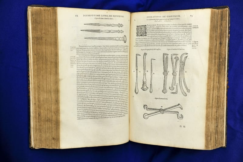 Illustrations of dental instruments from Ambroise Paré's Ouvres,